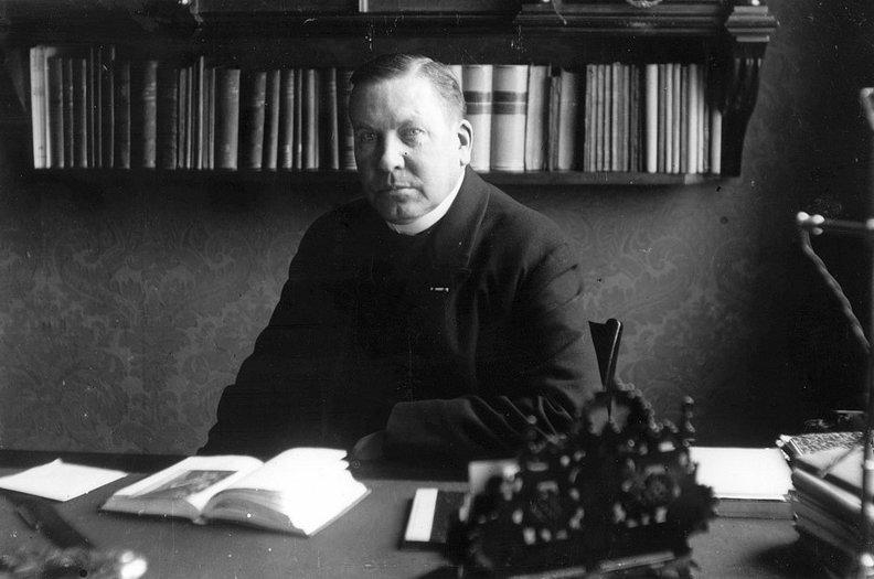 Eerste rector magnificus Jos Schrijnen